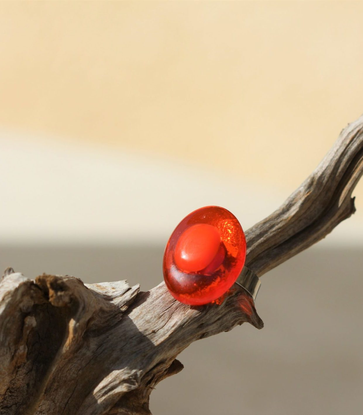 bague en verre orange ovale