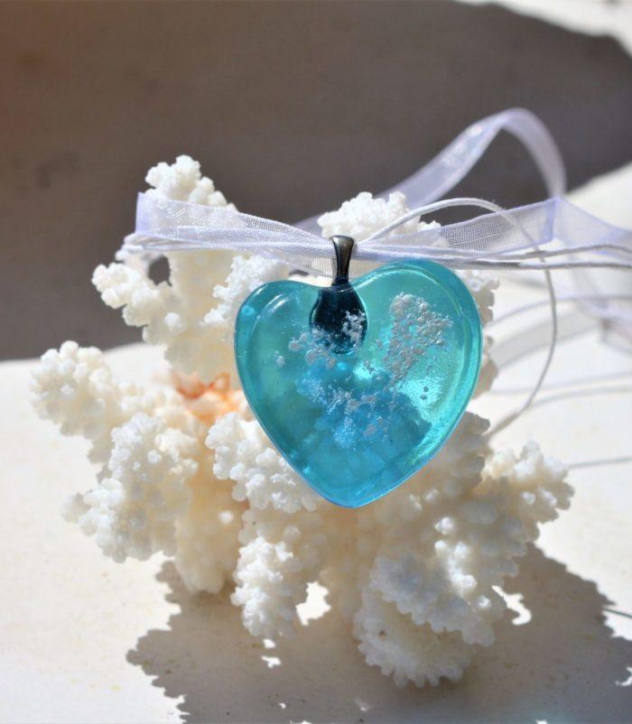 Pendentif cœur en verre transparent