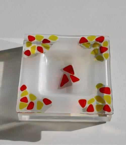 vide-poche-transparent-jaune-rouge-fleur-de-verre