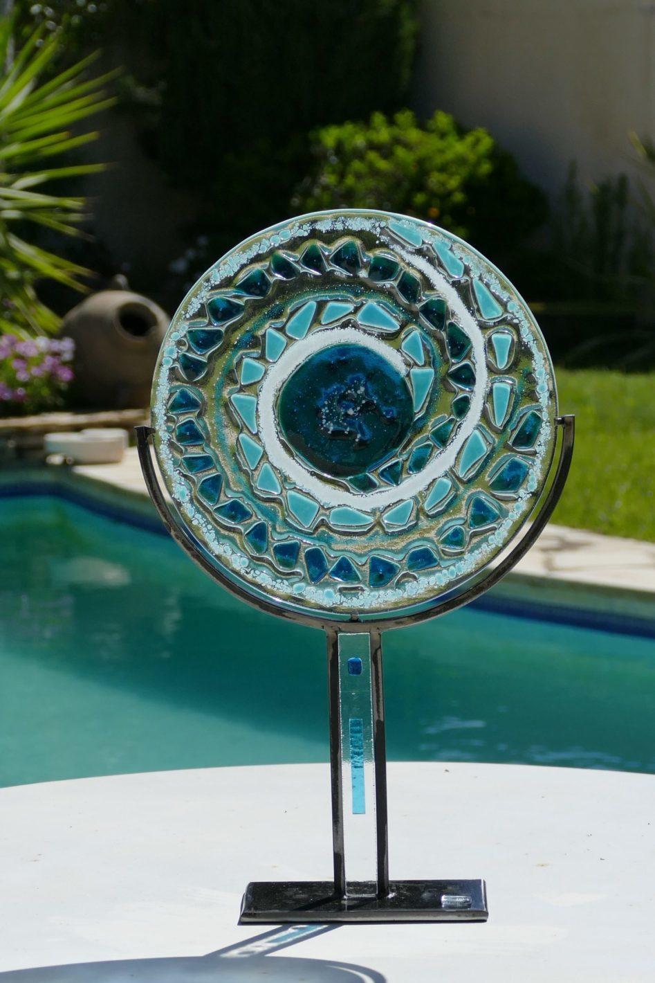 Cercle en verre de 30 cm dans les dégradés de bleus dans