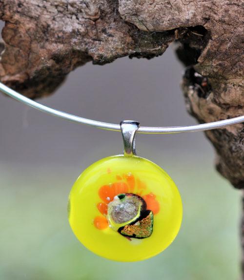 pendentif en verre de couleur anis et orange