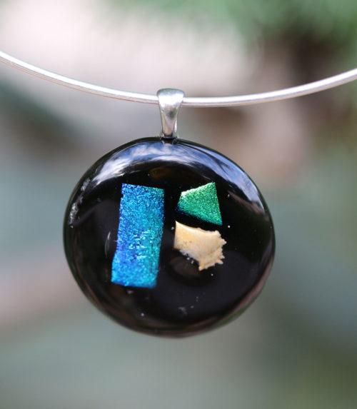 pendentif rond en verre noir et bleu
