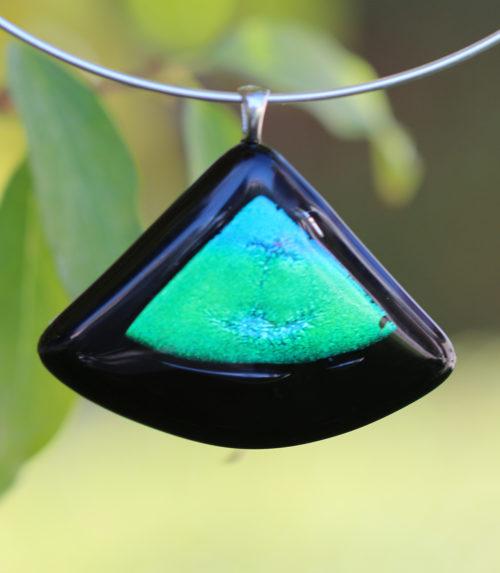 Pendentif en verre rectangulaire verre noir et verre dichroïque